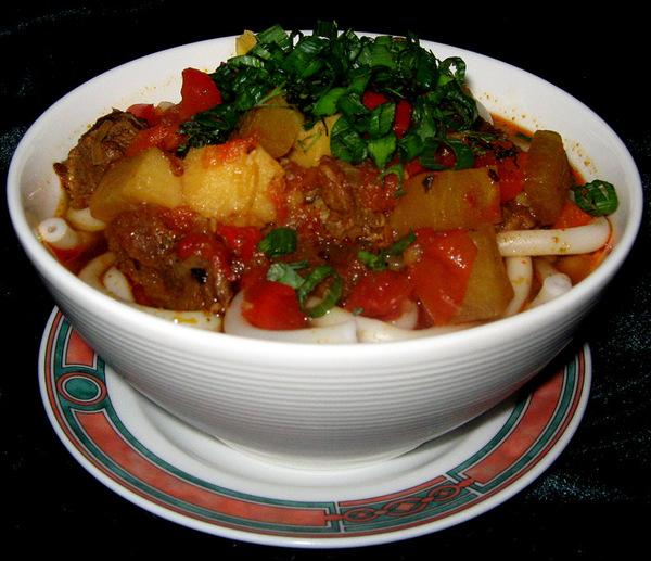 Лагман - популярное среднеазиатское блюдо