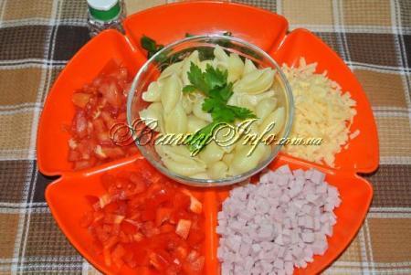 Продукты для салата с макронами