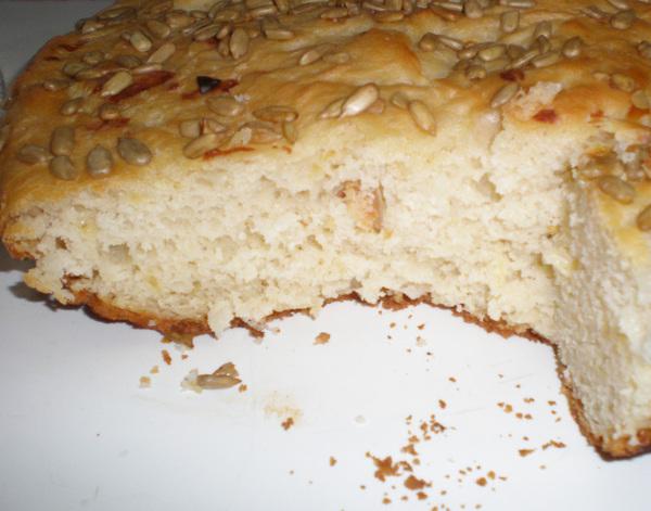 Сырный хлеб в разрезе