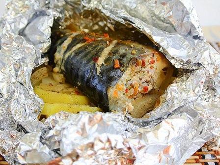 скумбрия запеченная в духовке в фольге с картошкой